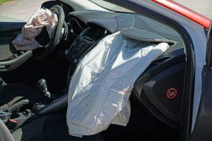 Po náraze vystrelné airbagy